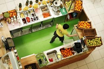 небольшая точка продажи салатов