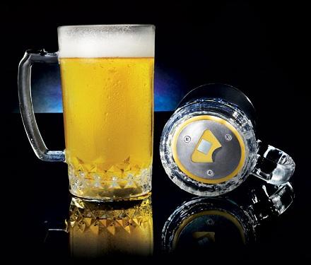 бокал с открывашкой для пива