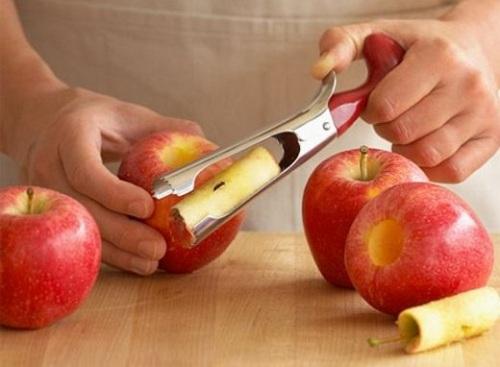 гаджет для удаления сердцевины яблока
