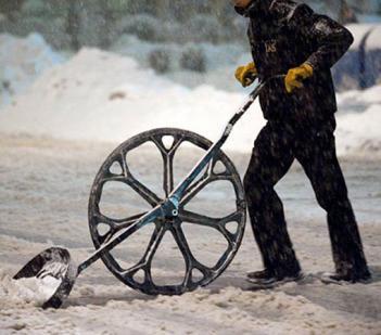 лопада для уборки снега с колесом