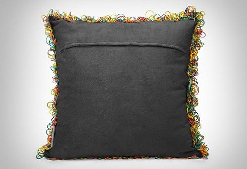 необычная подушка