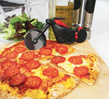 нож в форме мотоцыкла для резки пиццы